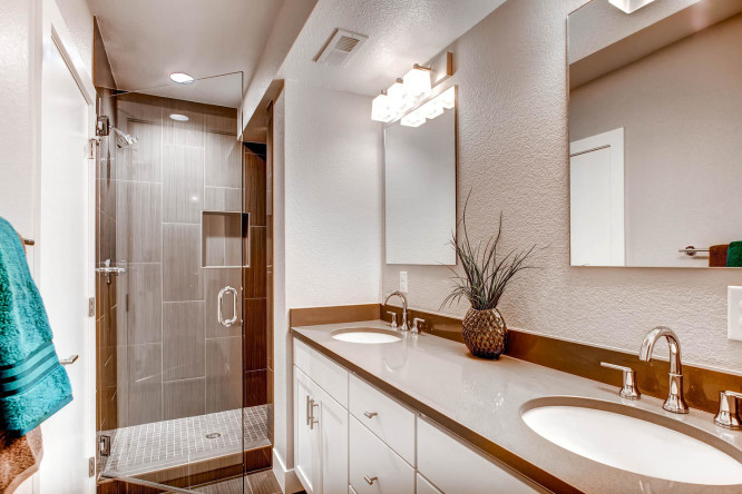 2835 S Sherman St Englewood CO-large-016-2nd Floor Master Bathroom-1500x1000-72dpi